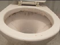 トイレ清掃ビフォー01